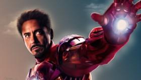 "Robert Downey Jr ""Iron Man"" consegna un braccio bionico ad un bambino disabile"