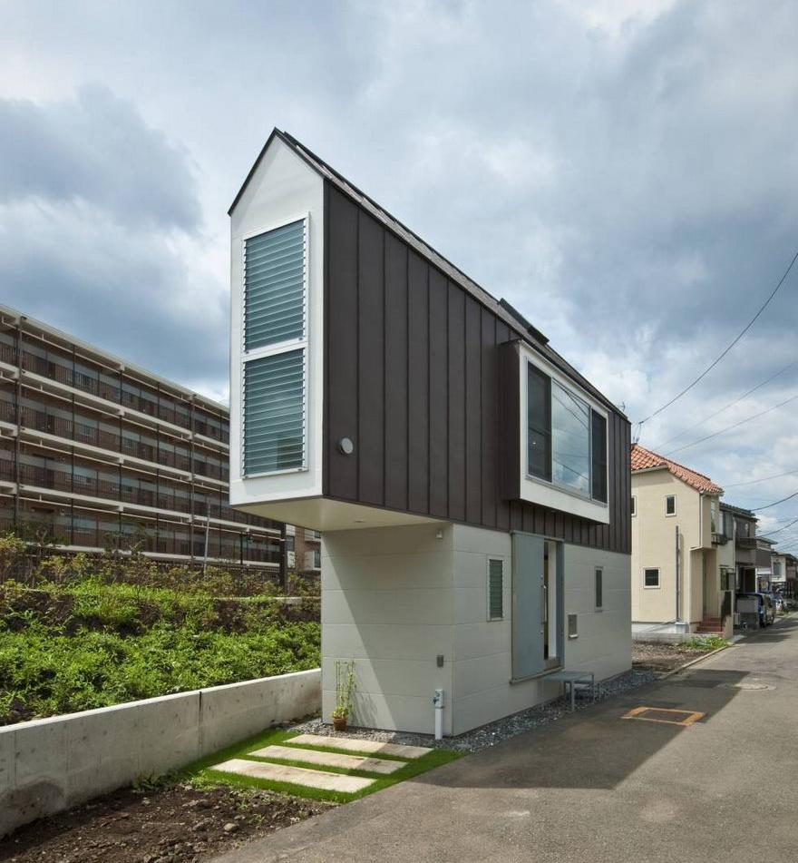 Giappone la casa pi stretta del mondo in realt spaziosa for Case del giappone