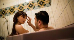 Masayuki Ozaki tradisce sua moglie con una Sex Doll