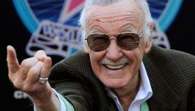 Stan Lee accusato di molestie sessuali